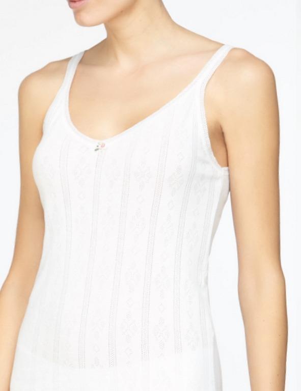 Camiseta algodón calado clásico Avet